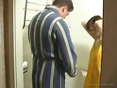 Dad and daughter fuck in the toilet