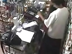 Real ! Employee getting a Blowjob Behind eradicate affect Counter http://www.clictune.com/id=