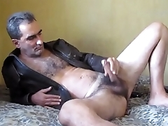 Sexy hairy gay otter shows off on the top of cam - BestGayCams.xyz