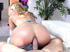 Kelsi Monroe takes in the money every way