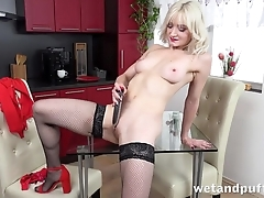 Sexy comme ci at hand stockings pleases herself with dildo