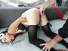 Exotic MILF analyzed by master in a catch teeming court
