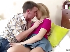 Bro Seduce His Petite Step-sister to Succeed in First Fuck