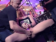 Lilliputian Blonde Squirts Uncontrollably