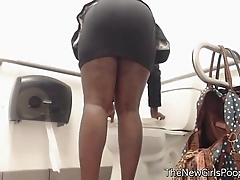 Ebony farting thither public Babytalk do number two